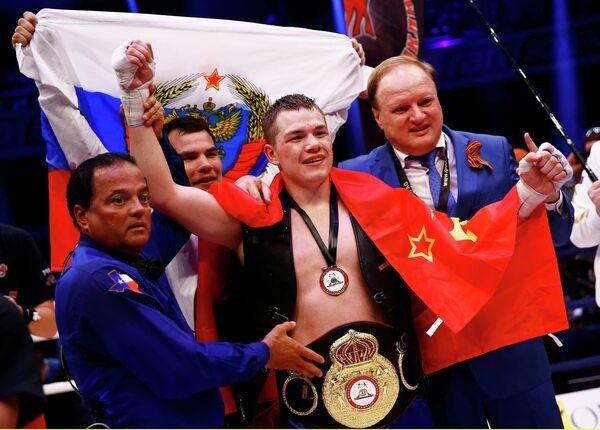 Федор Чудинов (в центре) и Владимир Хрюнов (справа)