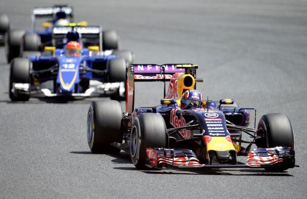 Пилот Ред Булл Даниил Квят на дистанции Гран-при Испании