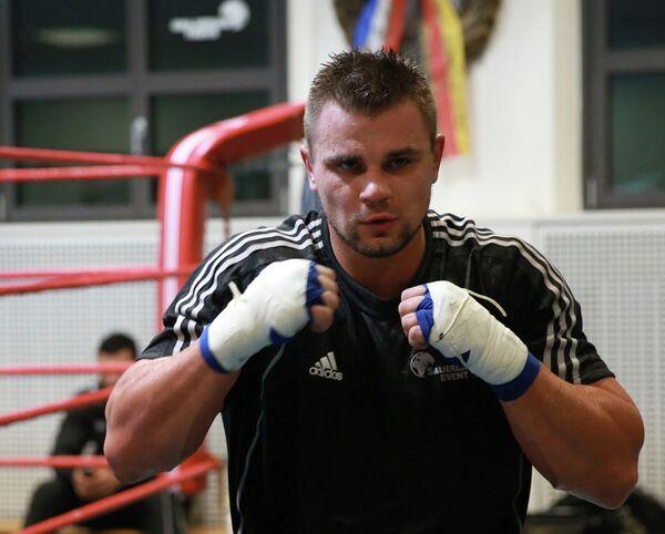 Российский боксер Денис Бойцов на тренировке (Фото из архива)