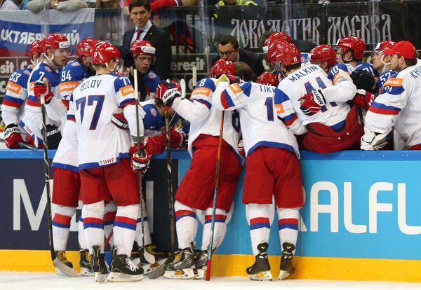 Игроки сборной России во время тайм-аута
