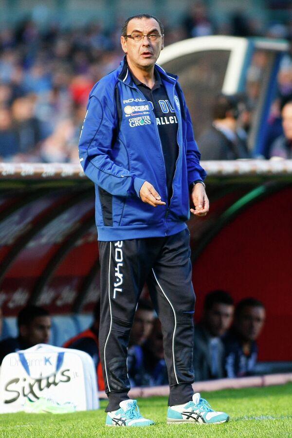 Главный тренер итальянского футбольного клуба Наполи Маурицио Сарри