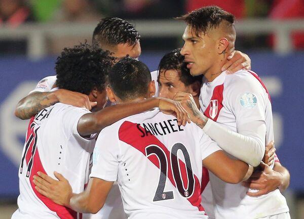 Футболисты сборной Перу