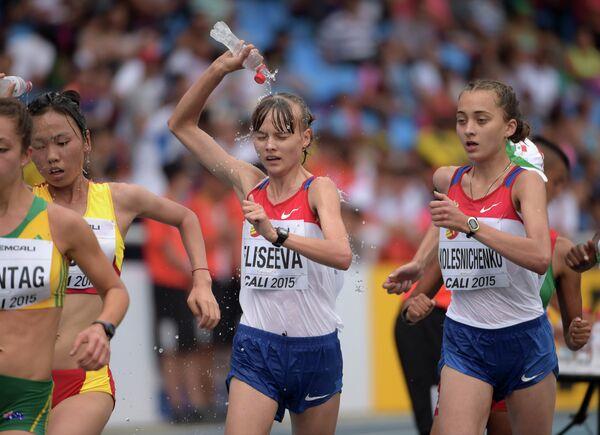 Российские легкоатлетки Маргарита Колесниченко и Ольга Елисеева (справа налево)