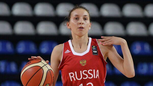 Защитник сборной России Анна Буровая в матче на чемпионате мира по баскетболу среди девушек до 19 лет