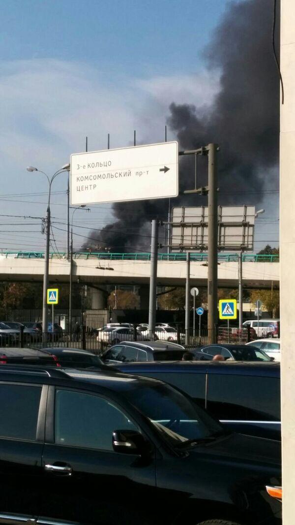Дым со стороны БСА Лужники