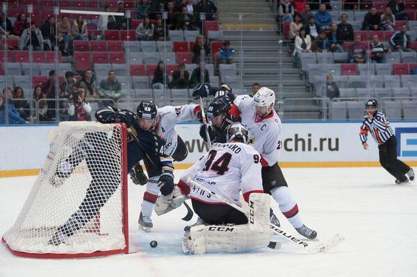 Игровой момент матча КХЛ Сочи - Трактор