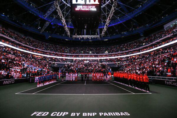 Минута молчания перед матчем финала Кубка Федерации по теннису Чехия - Россия