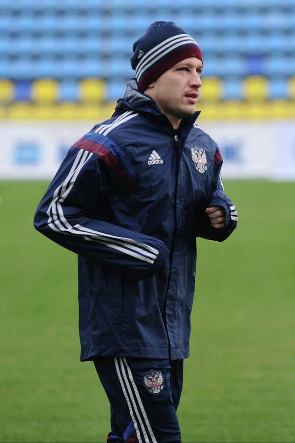 Защитник сборной команды России Олег Кузьмин