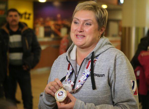 Старший тренер женской сборной России по керлингу Светлана Калалб
