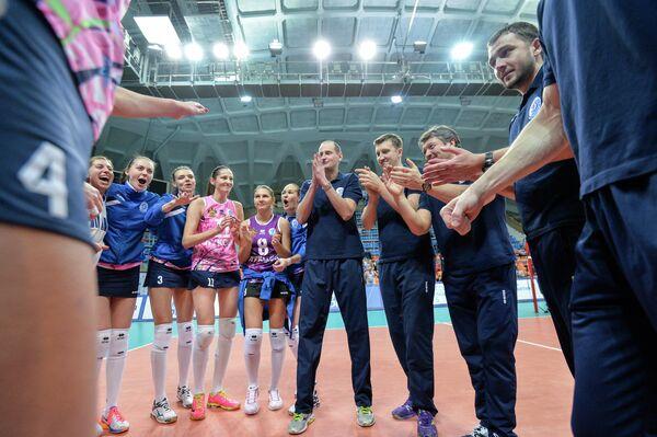 Волейболистки и тренерский штаб Динамо (Краснодар)
