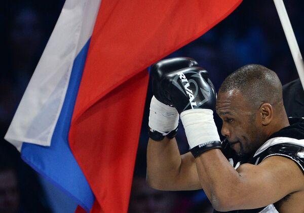 Российско-американский боксер Рой Джонс