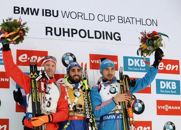 Симон Эдер - 2-е место, Мартен Фуркад - 1-е место, Антон Шипулин - 3-е место (слева направо)