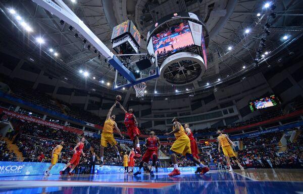 Игровой момент матча группового этапа Евролиги между ПБК ЦСКА (Москва, Россия) и БК Барселона (Барселона, Испания)