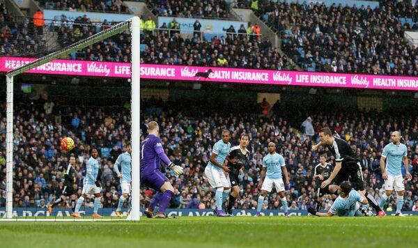 Игровой момент матча Манчестер Сити - Лестер