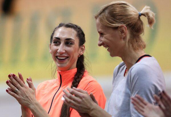 Екатерина Конева (слева)