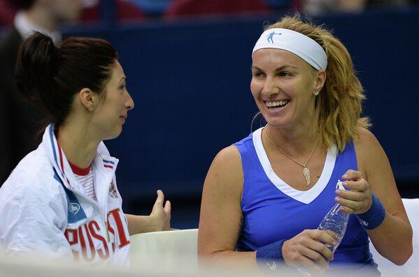 Анастасия Мыскина и Светлана Кузнецова (слева направо)
