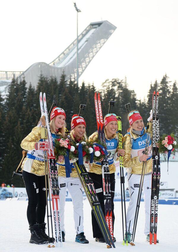 Марте Олсбу, Тириль Экхофф, Фанни Хорн Биркеланд, Сунневе Солемдаль (слева направо)