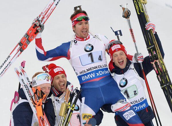 Норвежские спортсмены Йоханнес Бё, Уле-Эйнар Бьерндален, Эмиль Хегле Свендсен и Тарьей Бё (слева направо)