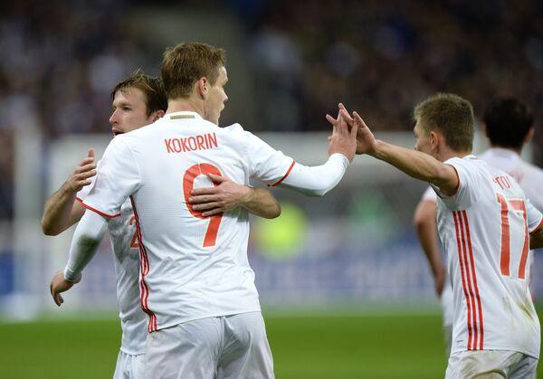 Игроки сборной России Олег Кузьмин, Александр Кокорин и Олег Шатов (слева направо)