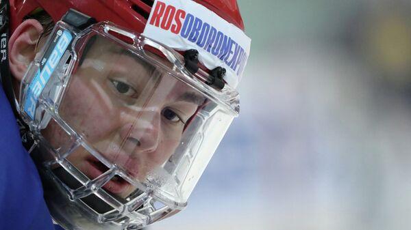 Защитник сборной России по хоккею Зият Пайгин