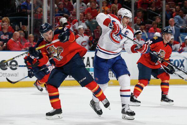 Игровой момент матча НХЛ между Флоридой и Монреалем