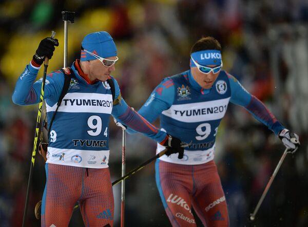 Слева направо: биатлонист Иван Черезов (Россия) и лыжник Александр Легков (Россия)