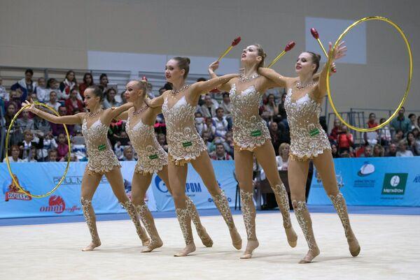 Гимнастки сборной России художественной гимнастике