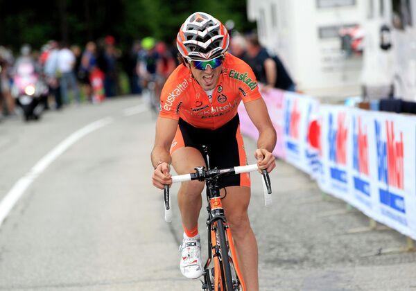 Испанский велогонщик Ион Исагирре из команды Movistar