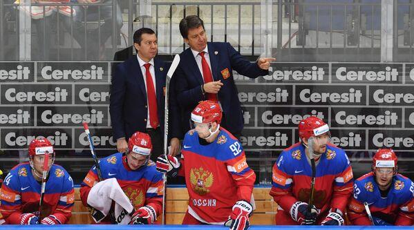 Тренеры сборной России Илья Воробьев (слева) и Харийс Витолиньш