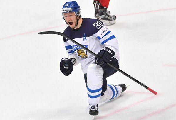 Форвард сборной Финляндии Юсси Йокинен