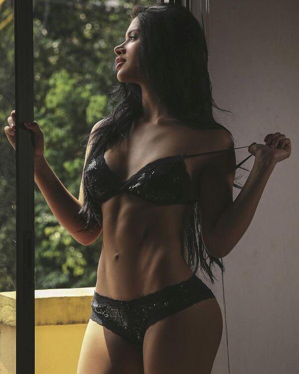Колумбийская модель и актриса Паула Суарес