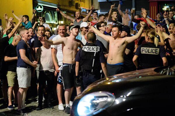 Болельщики сборной Англии по футболу в Марселе
