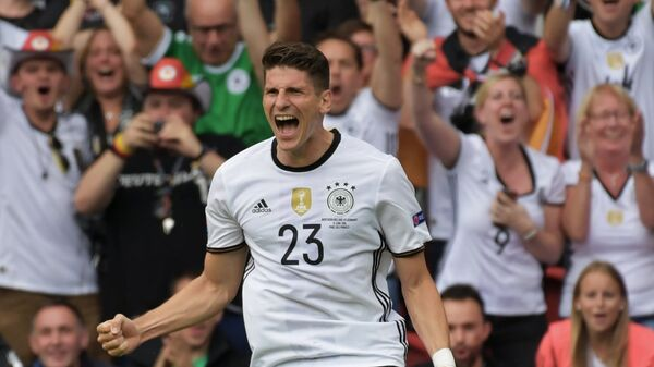 Нападающий сборной Германии Марио Гомес