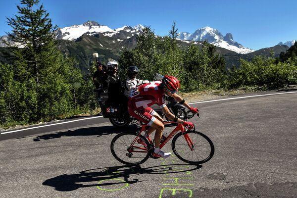 Ильнур Закарин во время 17-го этапа Тур де Франс